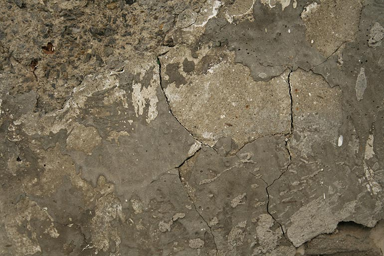 Cracked wall texture with concrete