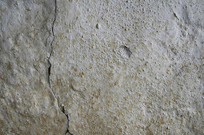 White and dusty cracked wall, best texture for photoshop