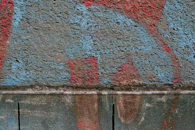 Wall with black bird grunge graffiti
