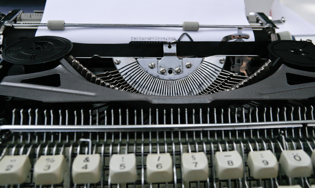 Typewriter that need for your art